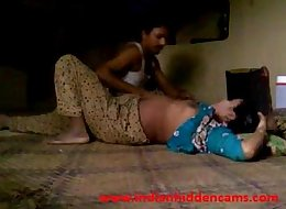 indian amateur village couple fucking in afternoon