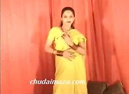 Hot Northindian B Grade Actress expose her Boobs Pussy-Hindi Chudai Kaaro Please