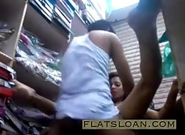 Desi girl fucked in cloth store